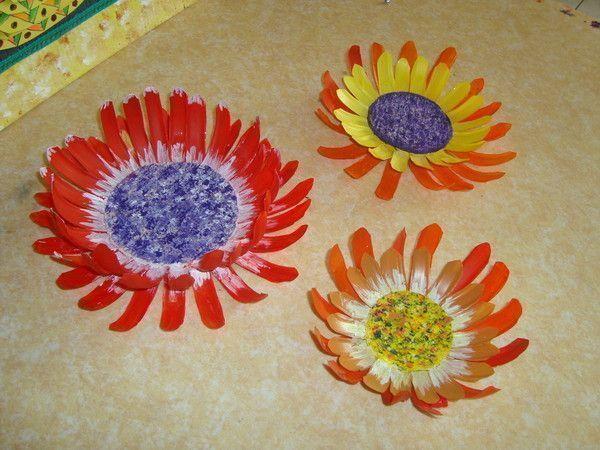 Fleurs en plastique - Bricolage avec du plastique ...