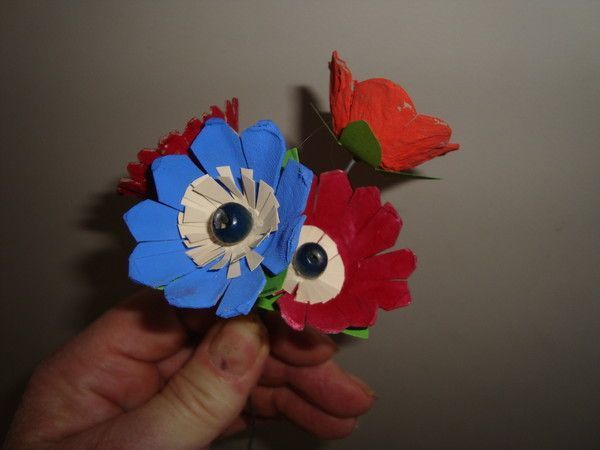 Bricolage boite a oeufs page 8 - Comment faire des fleurs avec des boites a oeufs ...