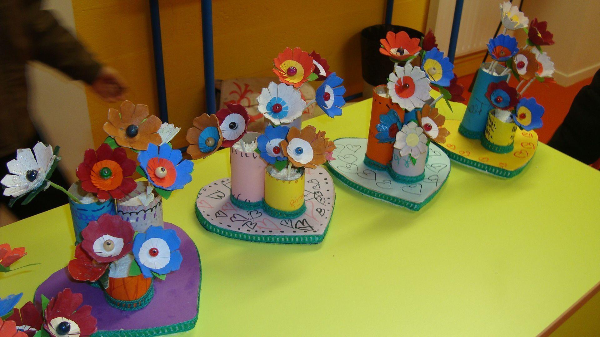 Fleurs en carton boite d 39 oeufs - Fleur en carton ...